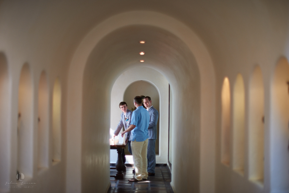 Professional wedding Photographer in Puerto Vallarta - Hacienda San Angel - corridor