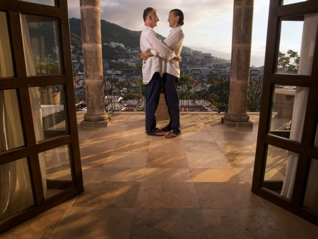 Wedding photographer in Puerto Vallarta - LGBT couple in hacienda san angel casa kimberly
