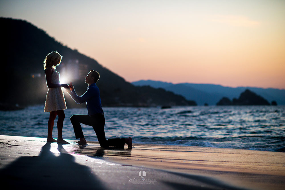 Engagement photo shoot in Puerto Vallarta - Hotel Mousai