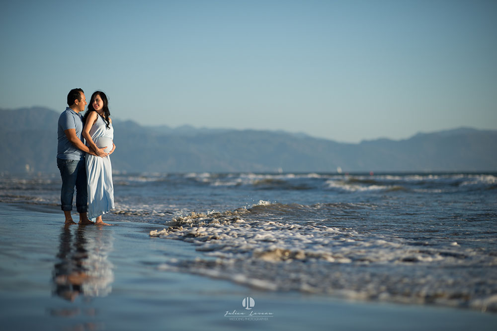 Maternity photo shoot in Puerto Vallarta